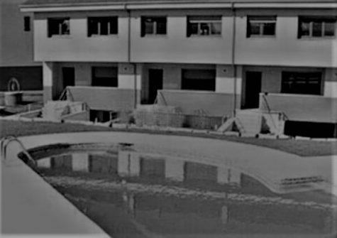 Chalet adosado en urbanización privada – salida de Lugo