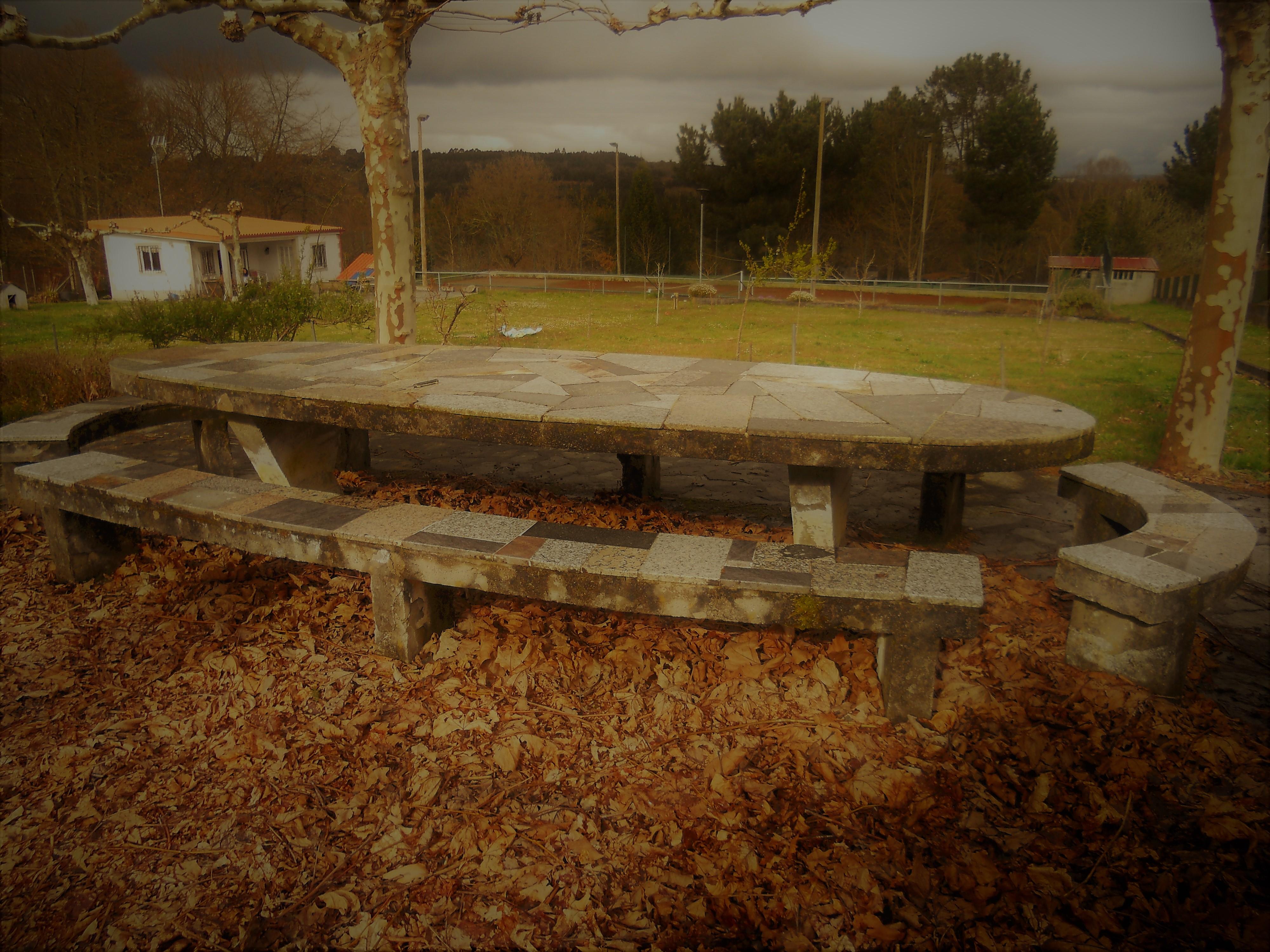 Casa con pista de tenis – próxima a Lugo