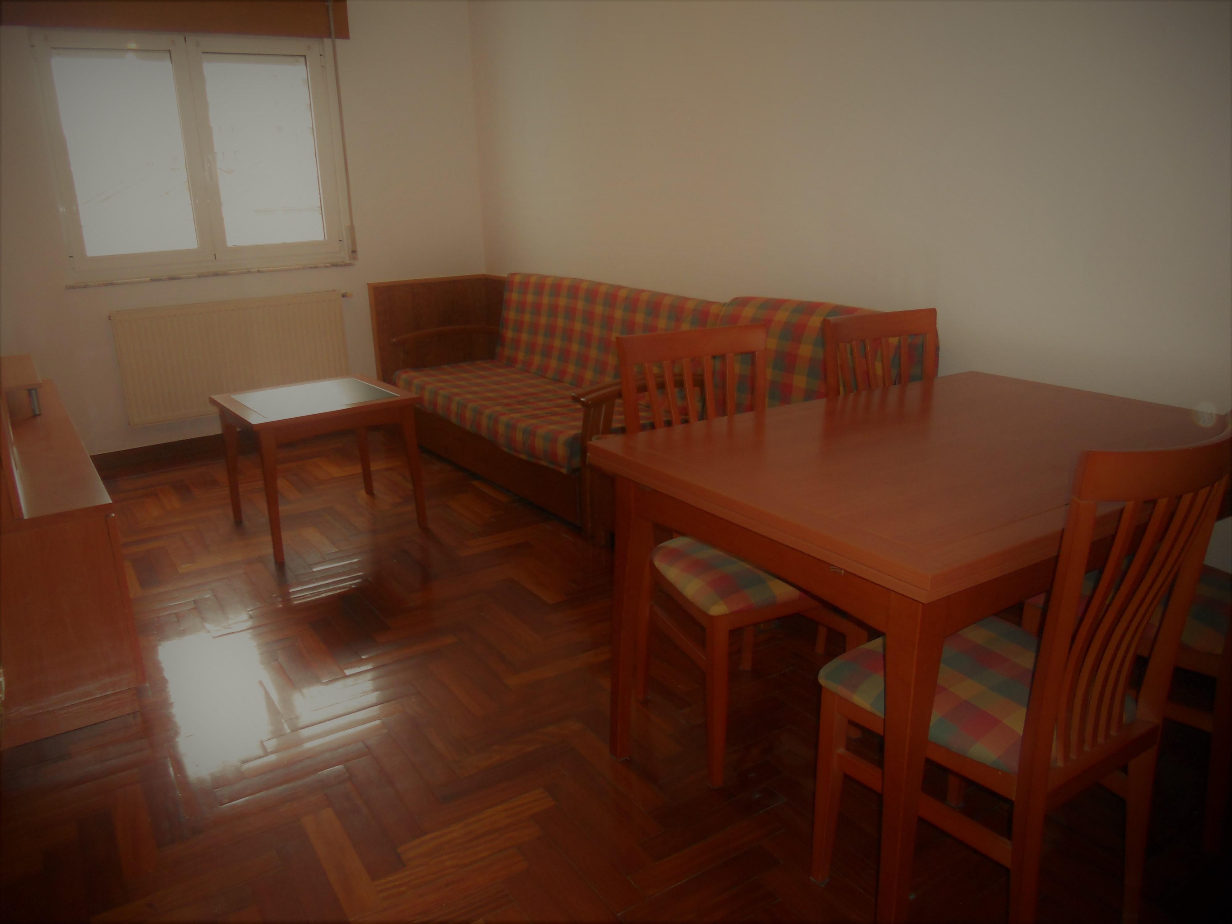 Apartamento con terraza – en zona norte de Lugo