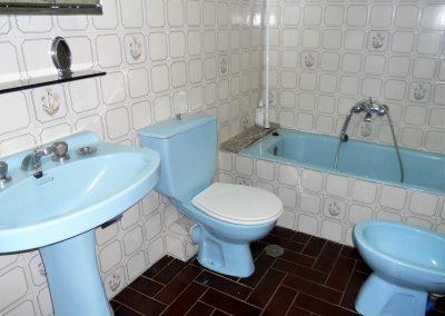 Baño con acceso al bajocubierta