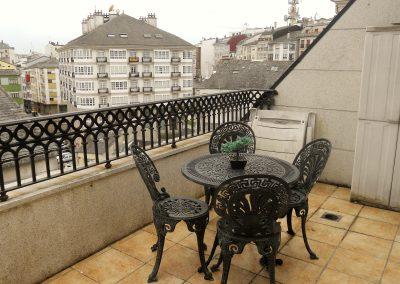 Terraza común a las dos habitaciones dobles