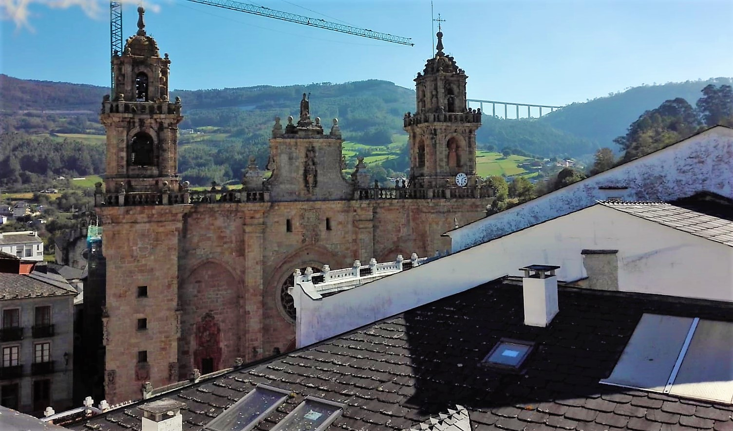 Edificio para reformar – en Mondoñedo