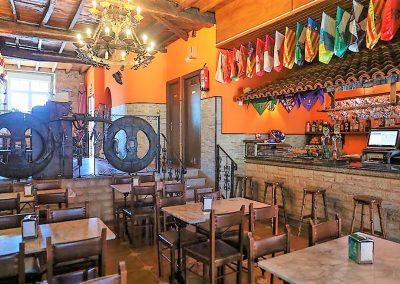 Café bar con cocina en planta baja