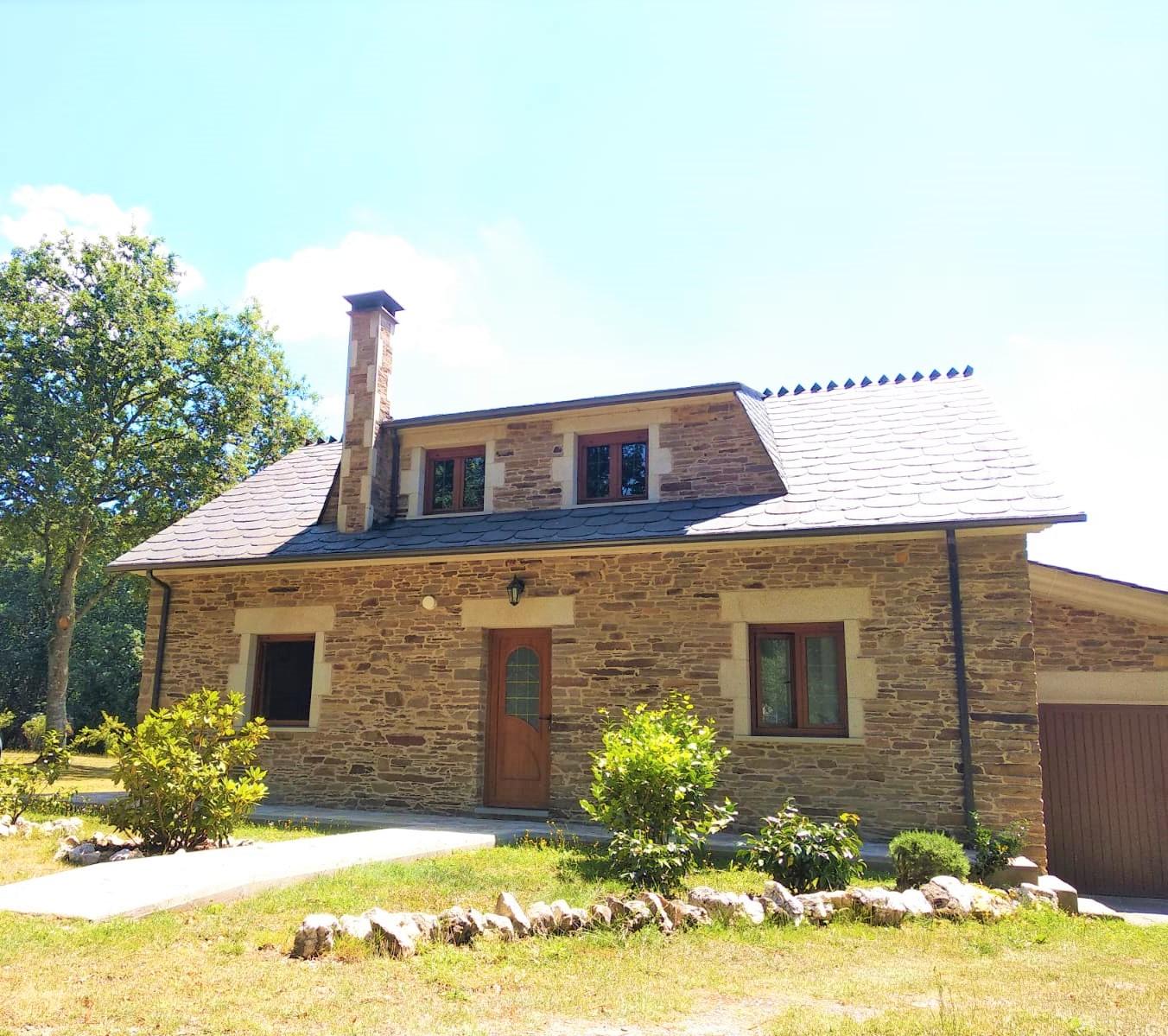 Casa de piedra amueblada – en Cospeito (Lugo)