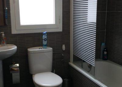Baño planta baja habitación