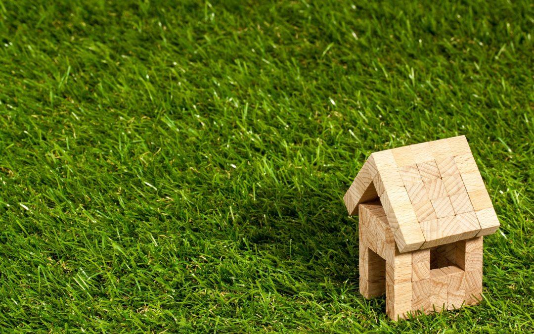 Chalet con finca en urbanización privada – en O Corgo