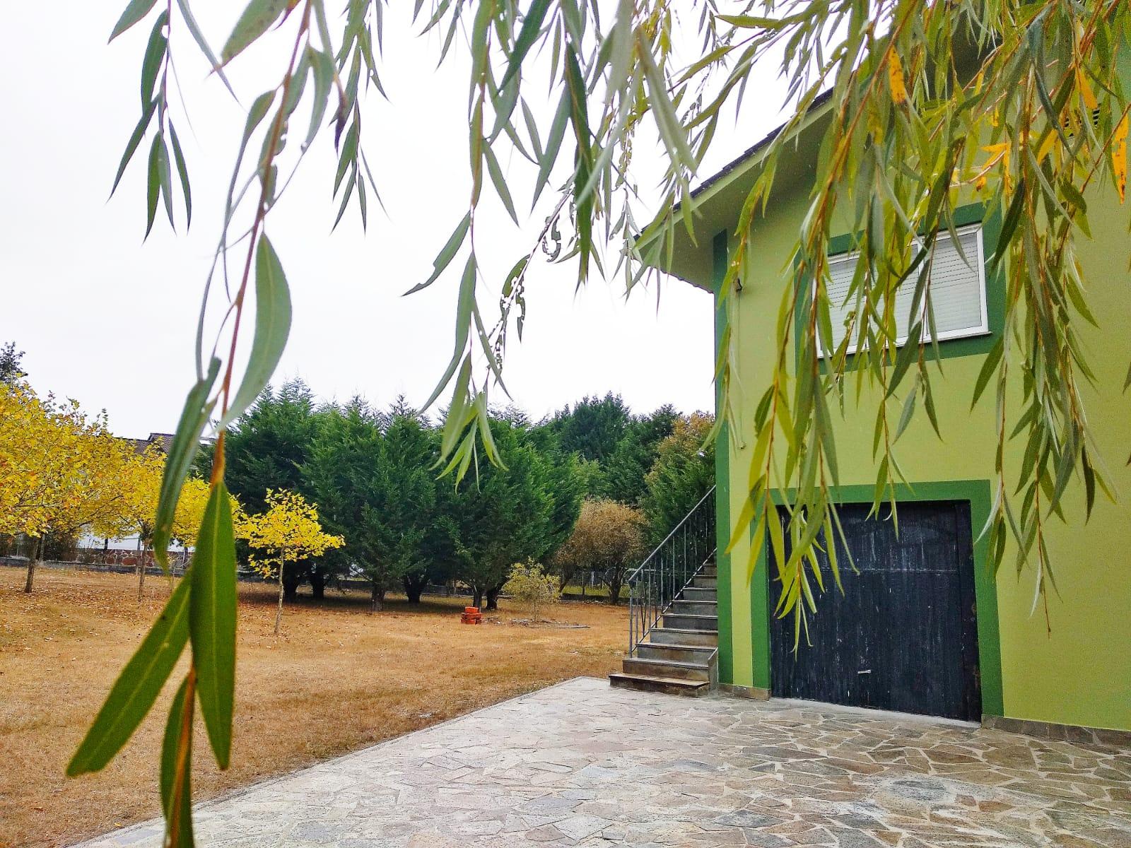 Casa con finca – en Gomeán (O Corgo)
