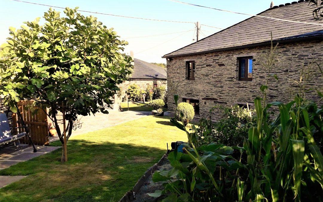 Conjunto de dos casas de piedra reformadas – a 11 km del centro de Lugo