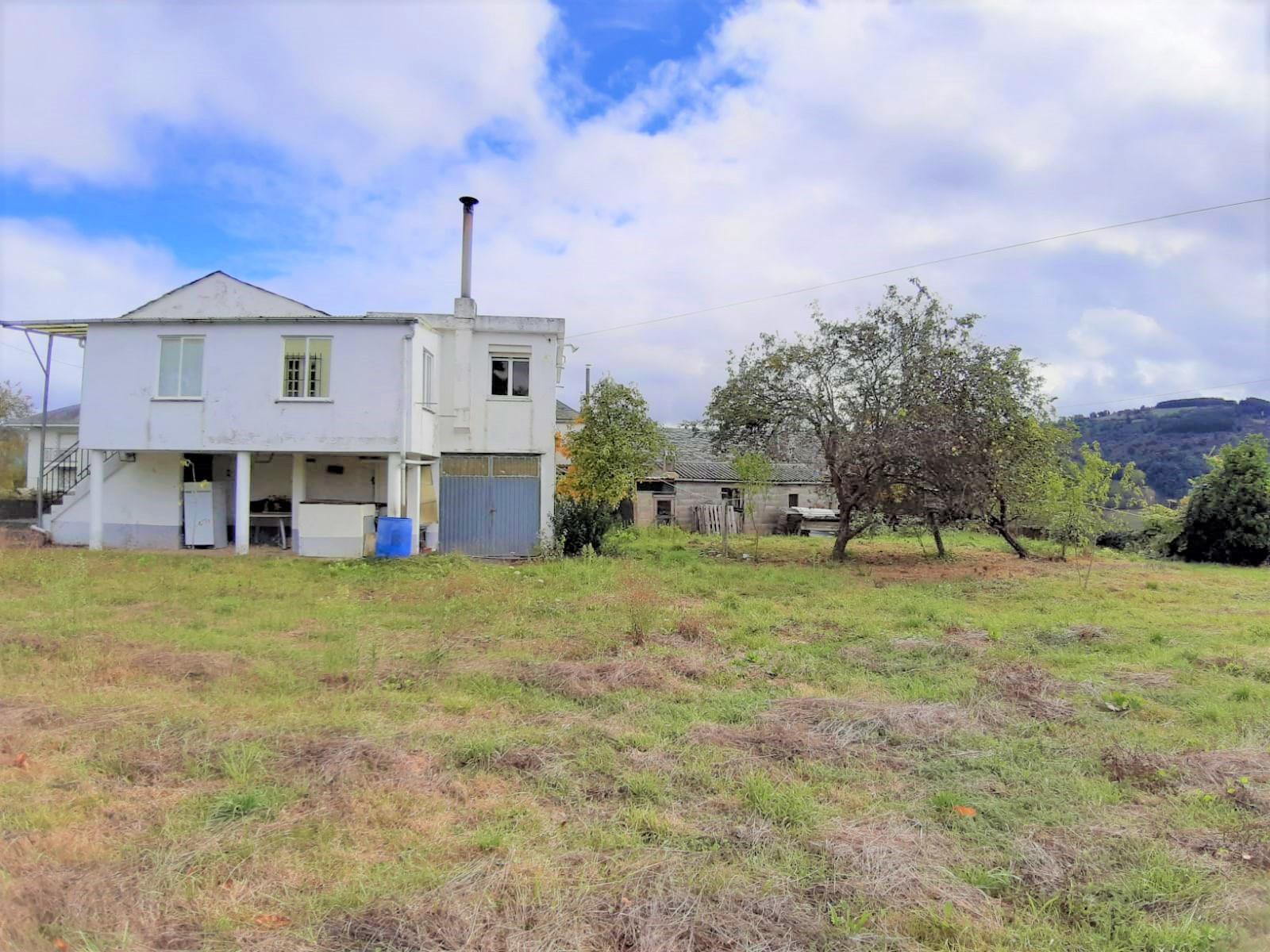 Casa con finca – en Vilachá (Becerreá)
