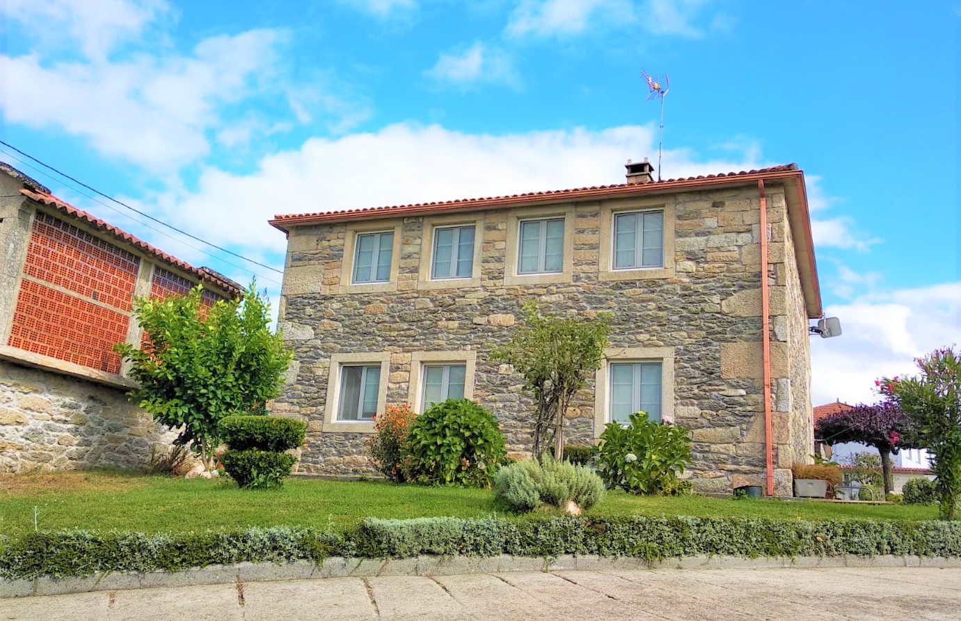 Casa de piedra próxima al camino de Santiago – en Palas de Rei