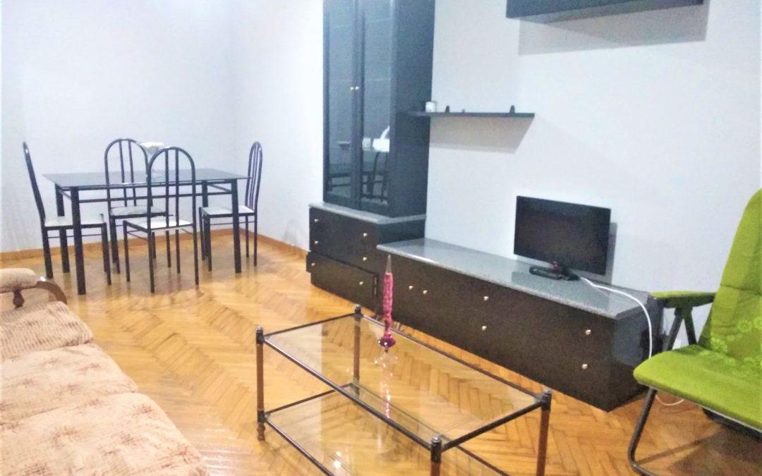 Apartamento con piscina – en Alfonso X El Sabio (Lugo)