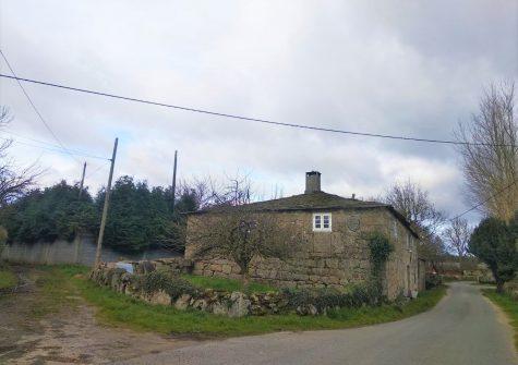 Casa de piedra para reformar – en Benade (Lugo)
