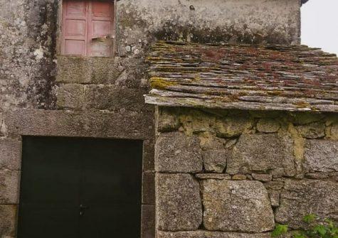 Casa de piedra para reformar – en Adai (O Corgo)