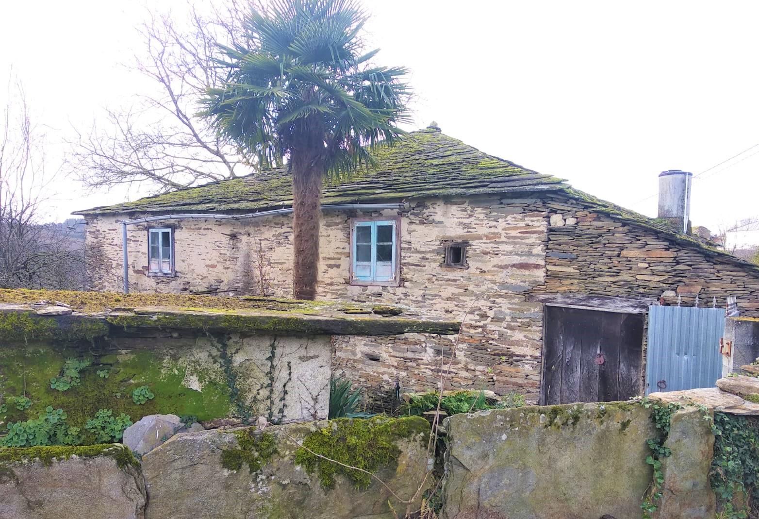 Casa de piedra para reformar – en Coeses
