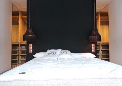 Suite con vestidor y baño provado