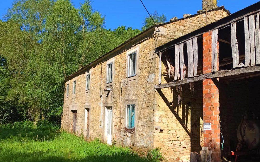 Casa de piedra para reformar – en Lanzós (Vilalba)