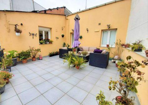 Casa adosada reformada – en Estrada Vella de Santiago (Lugo)