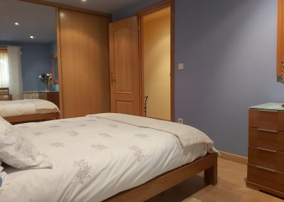 Habitación doble con armario empotrado