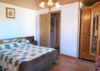 Suite principal con baño, planta baja