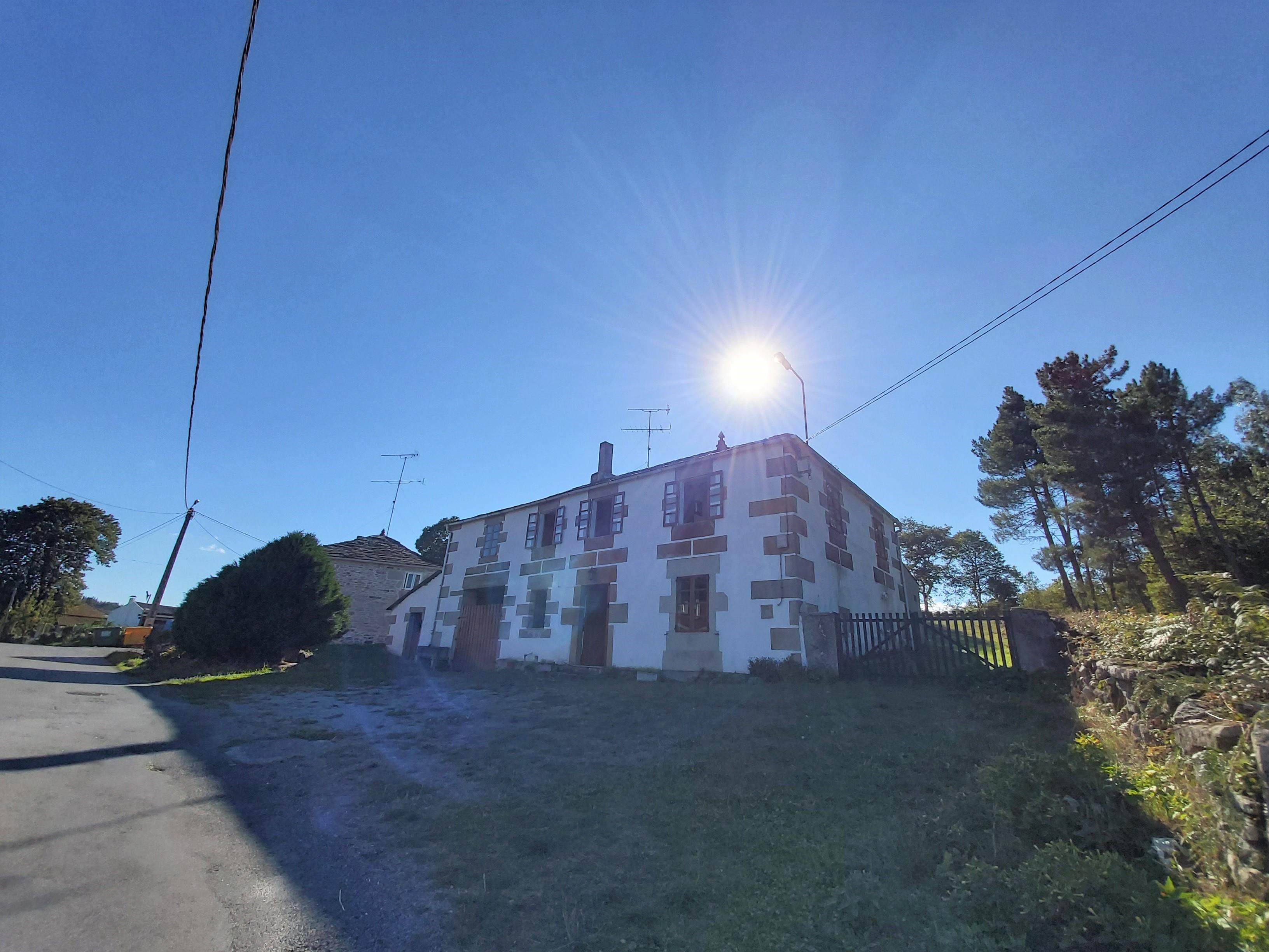 Casa de piedra para reformar – en Aspai (Outeiro de Rei)