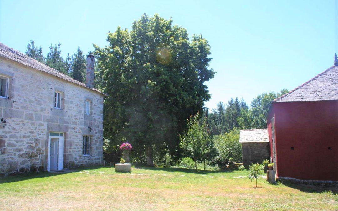 Caserío del siglo XVIII – en Outeiro de Rei