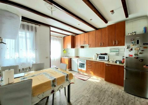 Apartamento amueblado con muy buena orientación – en Ronda das Fontiñas (Lugo)