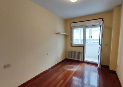 Habitación individual con salida a galería