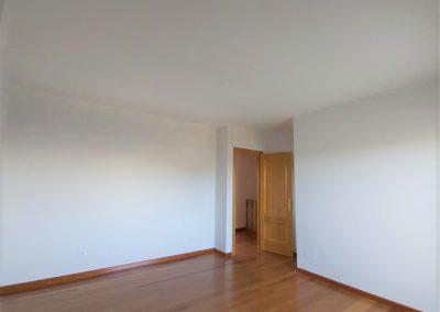 Suite principal con baño y terraza