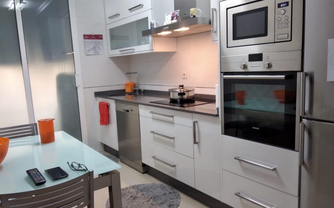 Apartamento amueblado con todos los servicios – en Montero Ríos (Lugo)