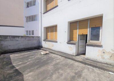 Terraza de unos 20 metros cuadrados